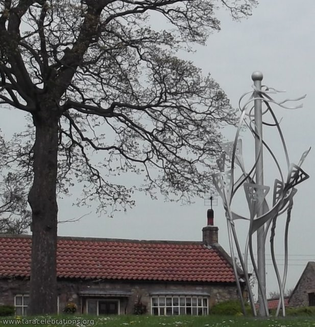 maypole sculpture